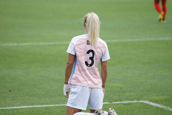 Hvem er den bedste kvindelige fodboldspiller i Danmark?